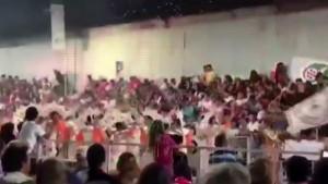 Karnavalda platform çöktü: 34 yaralı