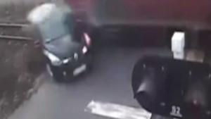 Uyarılara aldırmayan sürücü bu kazada ağır yaralandı